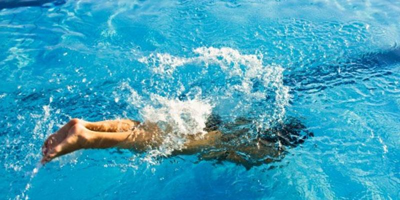nuotatore tuffo